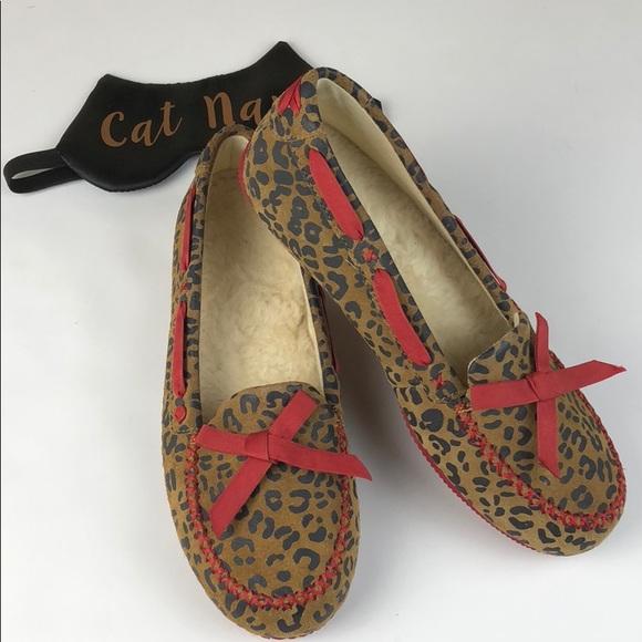 5ddb8faa236 NWOT UGG I Heart Belle Leopard Print Slippers